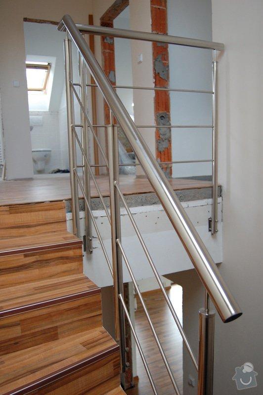 Nerezové zábradlí schodiště a Francouzského okna: DSC_5506