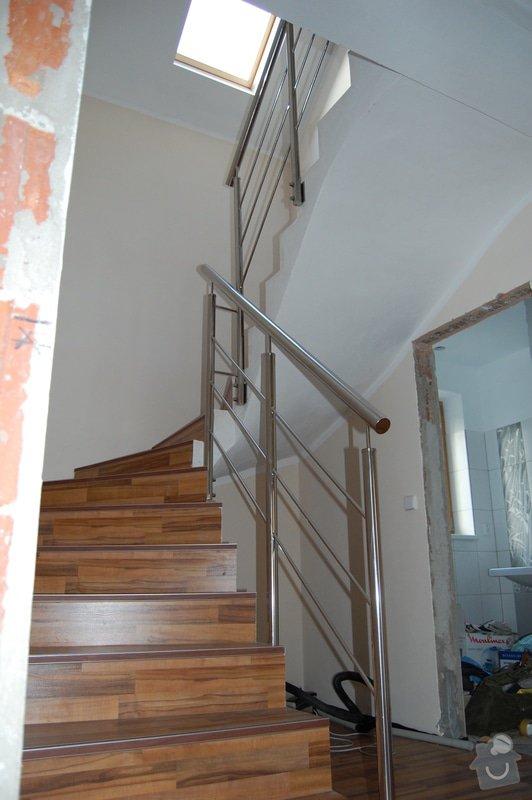 Nerezové zábradlí schodiště a Francouzského okna: DSC_5507