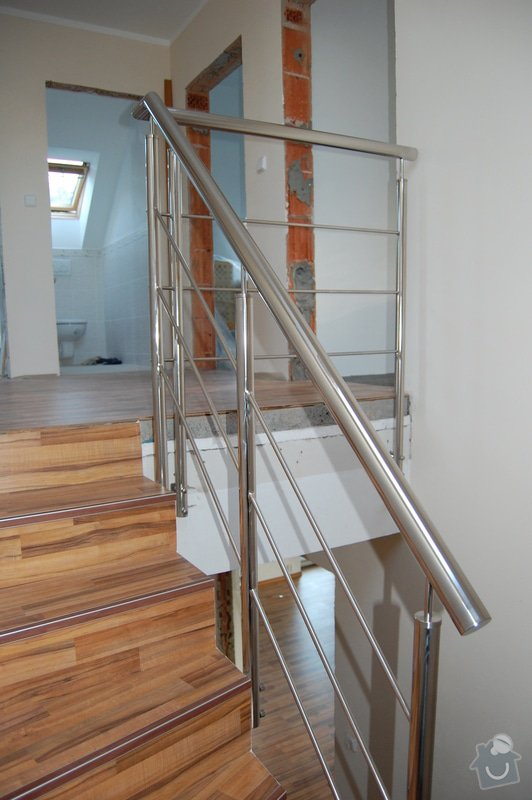 Nerezové zábradlí schodiště a Francouzského okna: DSC_5509