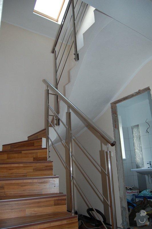 Nerezové zábradlí schodiště a Francouzského okna: DSC_5511
