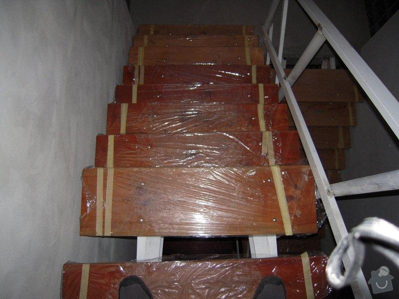 Rekonstrukce schodiště: DSCN1091