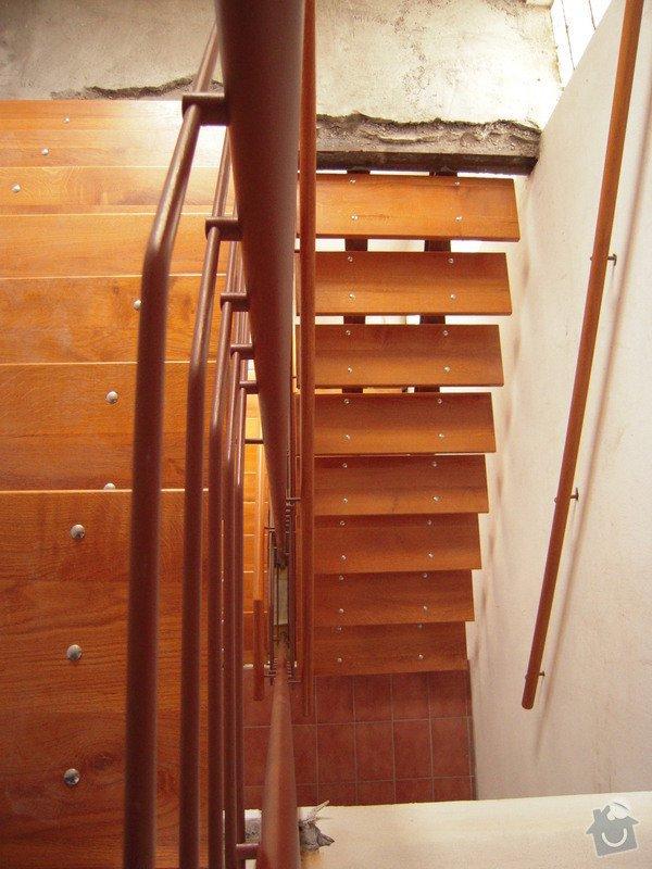 Rekonstrukce schodiště: DSCN1766
