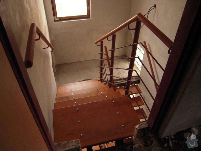 Rekonstrukce schodiště: DSCN1767