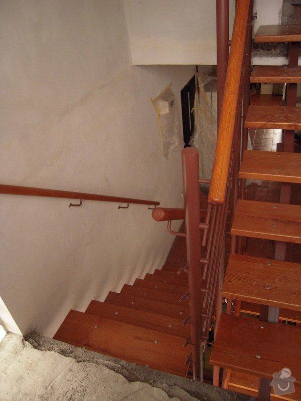 Rekonstrukce schodiště: DSCN1768