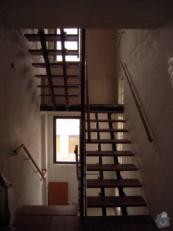 Rekonstrukce schodiště: DSCN1770