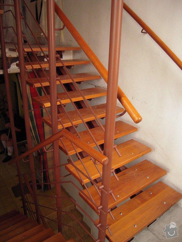 Rekonstrukce schodiště: DSCN1773