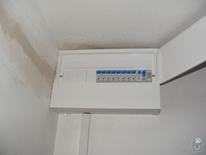 Výměna bytového rozvaděče a instalace zásuvky: DSCF4750