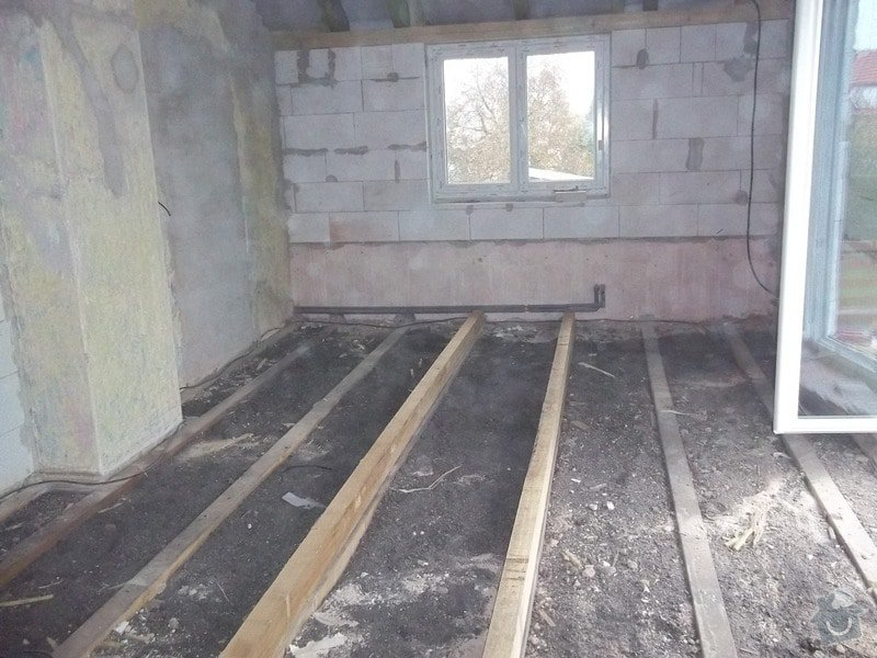 Zvednutí podlahy a zateplení stěny: 104_0929