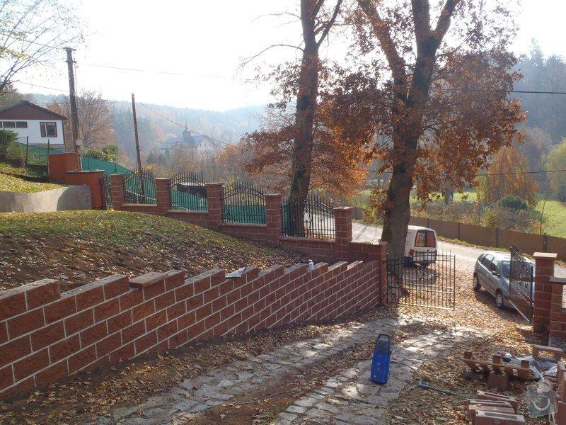 Stavba opěrné stěny z KB bloků: PB060485
