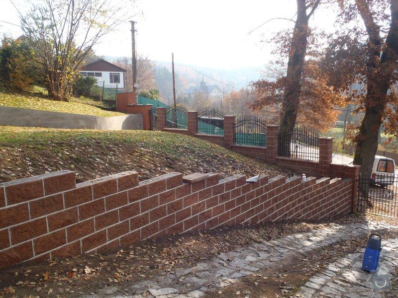 Stavba opěrné stěny z KB bloků: PB060484
