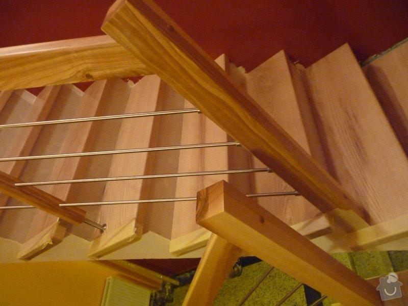 Schody za zábradlí schodiště z Jasanu: P1050688