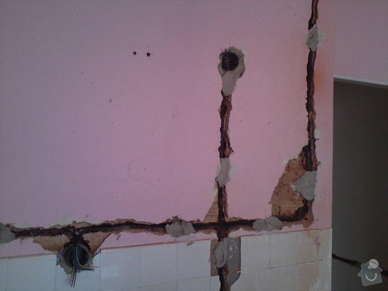 Kompletní rekonstrukce elektroinstalace v rodinném domě: DSC00306
