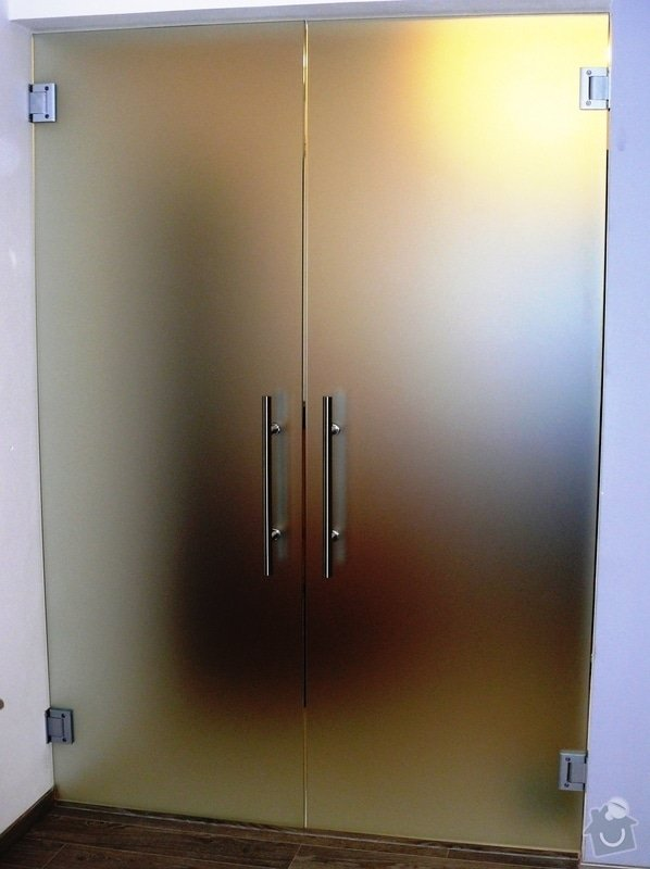 Skleněný sprchový kout + celoskleněné dveře + VIDEO: P1010175