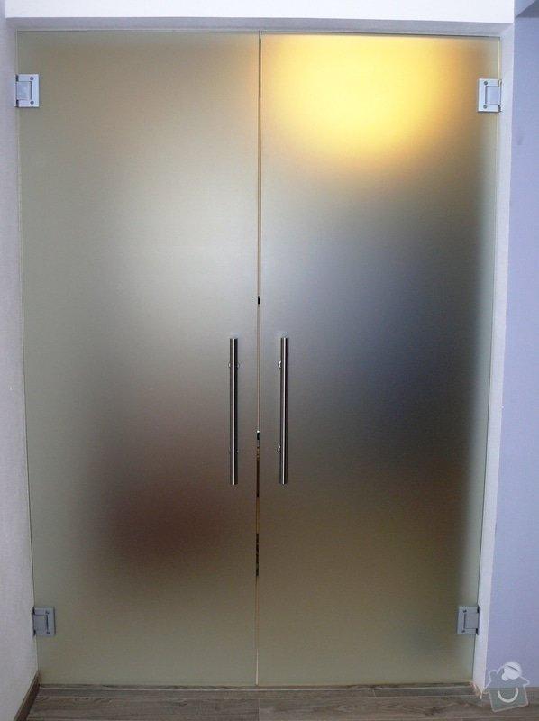Skleněný sprchový kout + celoskleněné dveře + VIDEO: P1010176