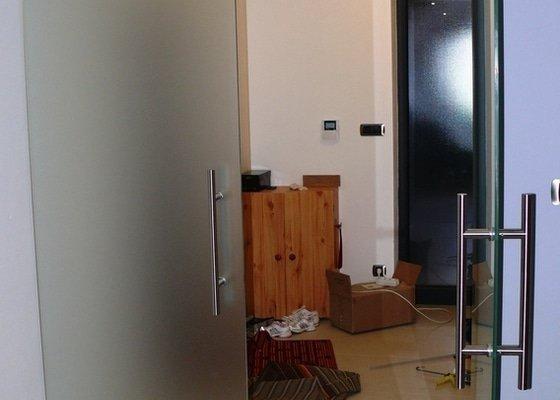 Skleněný sprchový kout + celoskleněné dveře + VIDEO