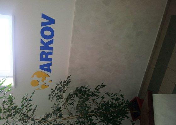 Vnitřní malby + malba loga firmy na vnitřní a venkovní zeď