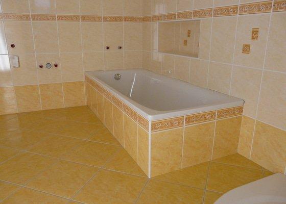 Přestavba koupelny v RD,nové omítky a kompletní obklad v četně dlažby