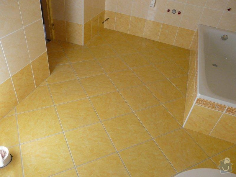 Přestavba koupelny v RD,nové omítky a kompletní obklad v četně dlažby: P1020146