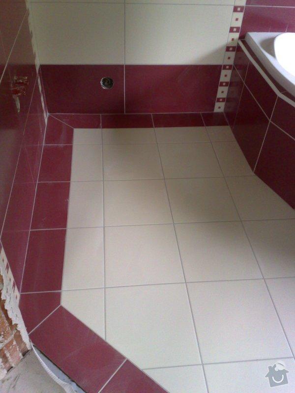 Obkládání koupelny v RD,zazdění vany a dlažba: 18092007199