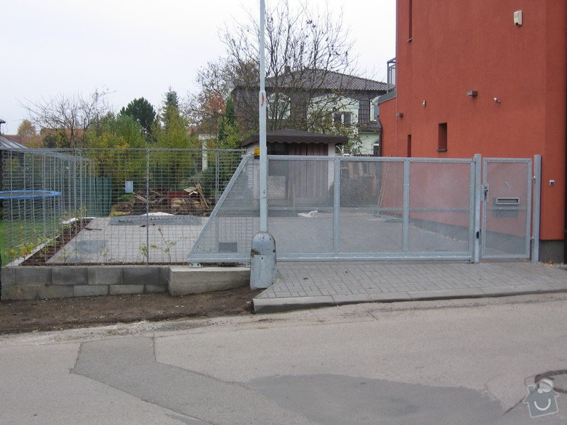 Samonosná brána a branka.: IMG_2505