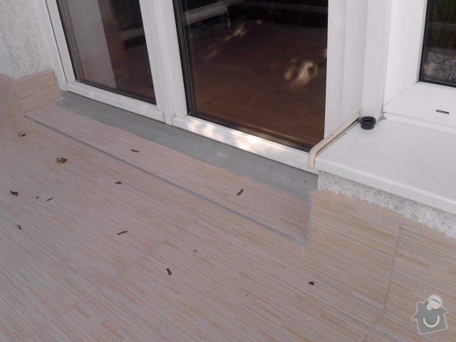 Rekonstrukce dlažby na terase. Odstranění staré dlažby, srovnání, hydroizolační stěrka a pokládka nové dlažby.: P141111_14.04