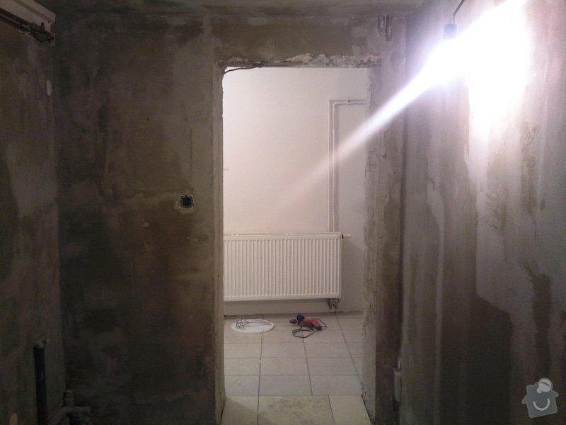 Renovace omítek v chodbě a 1 malé místnosti: Fotografie010