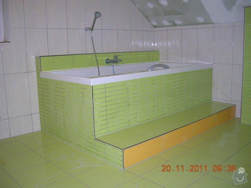 Obložení koupelny: DSCN4201