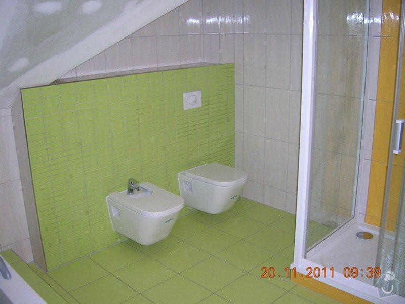 Obložení koupelny: DSCN4202