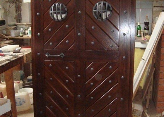 Replika_dubovych_dveri