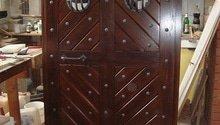 Oprava dveří do vinárny