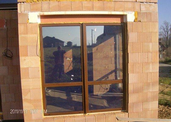 Plastová okna a vchodové dveře k RD