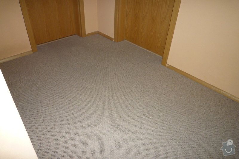 Obložení betonového schodiště + chodby dřevem: P1010522