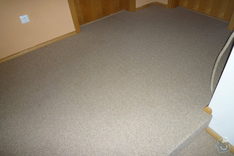 Obložení betonového schodiště + chodby dřevem: P1010523