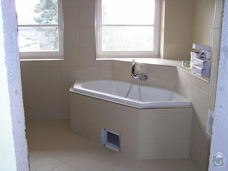 Výstavba dvou koupelen, položení podlah: 0418