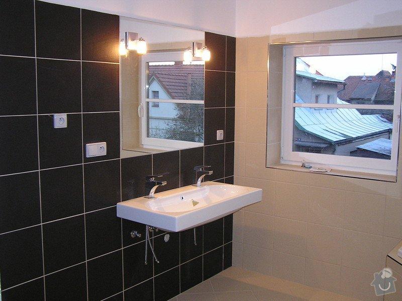 Výstavba dvou koupelen, položení podlah: foto