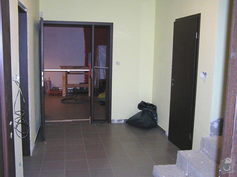 Výstavba dvou koupelen, položení podlah: P1010080