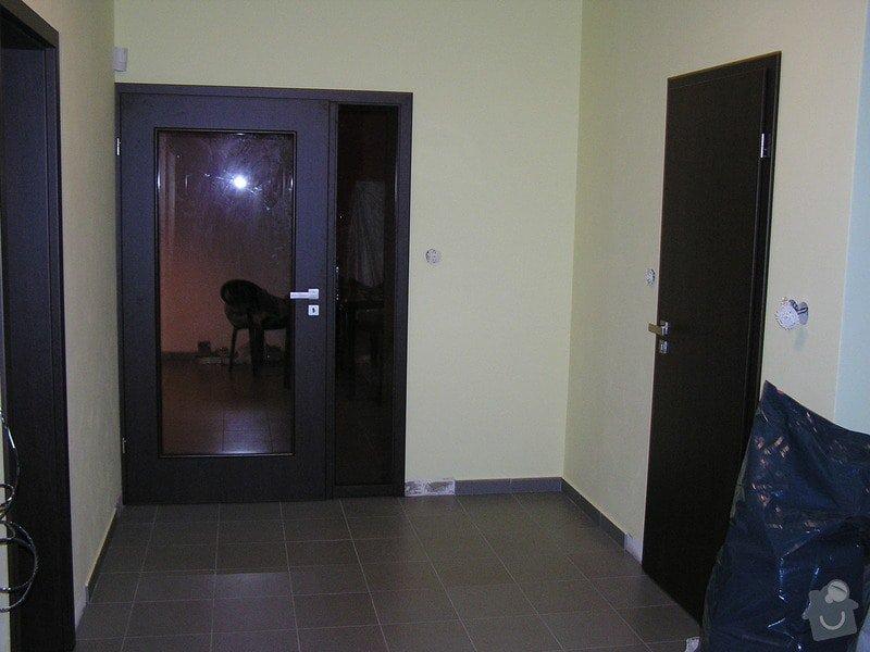 Výstavba dvou koupelen, položení podlah: P1010089