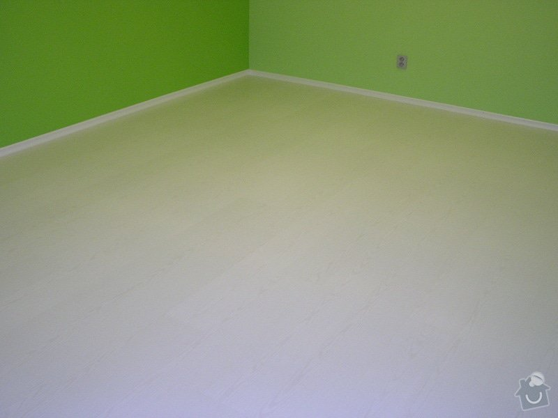Výstavba dvou koupelen, položení podlah: P1010085