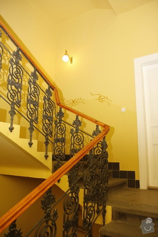 Výmalba a renovace zábradlí ve společných prostorách domu: 19