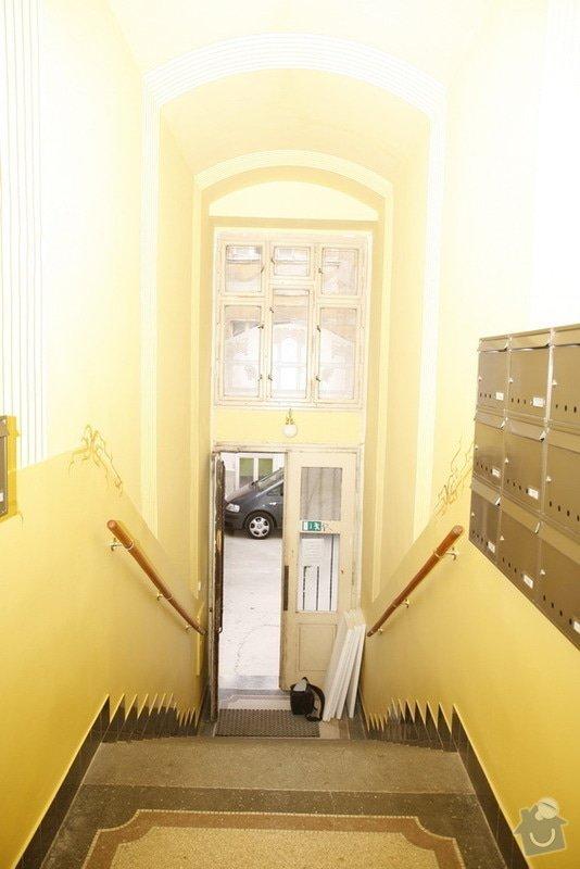 Výmalba a renovace zábradlí ve společných prostorách domu: _MG_7558
