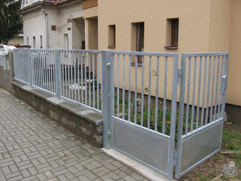 Stavba plotu: IMG_2497