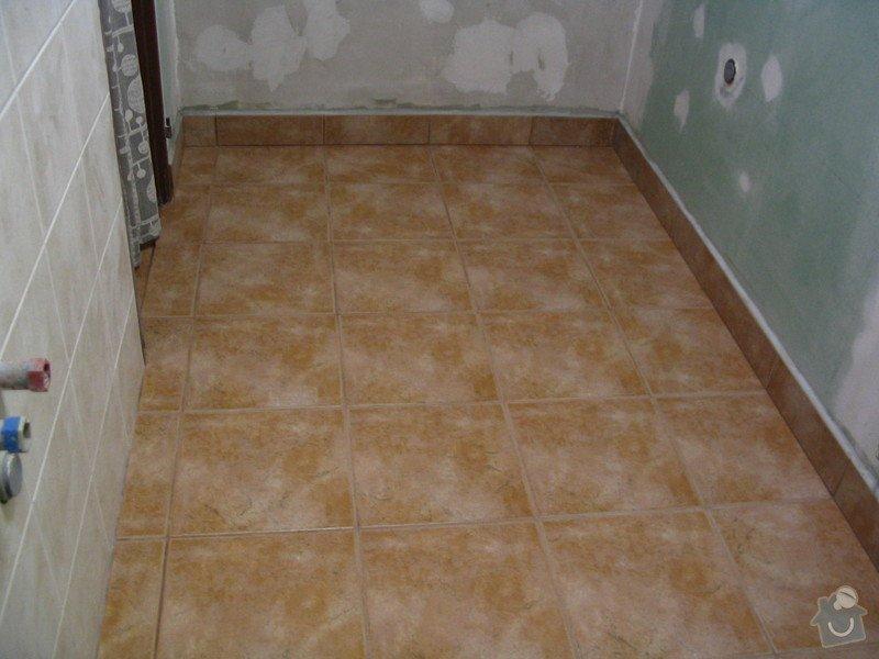 Obklady a dlažba v koupelně, WC a dlažba v chodbě: Koupelna_-_obklady_a_dlazba_009