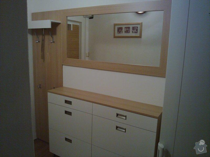 Výroba stěny a botníku v předsíni panelového bytu: 001