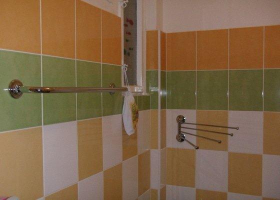 Obkladačské práce (koupelna, WC, obložení stěny za kuchyňskou linkou a dřezem)