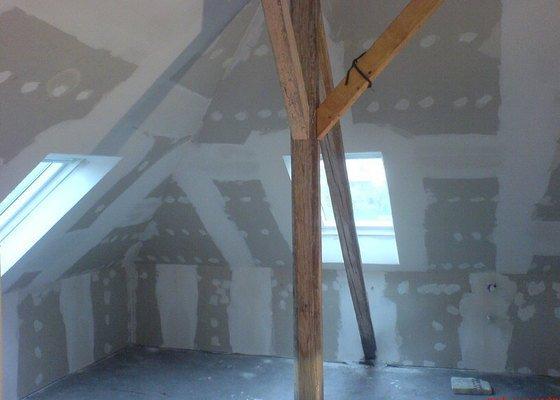 Rekonstrukce podkroví - montáže sádrokartonu
