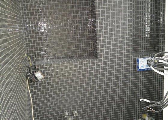 Obklad mozaika WC