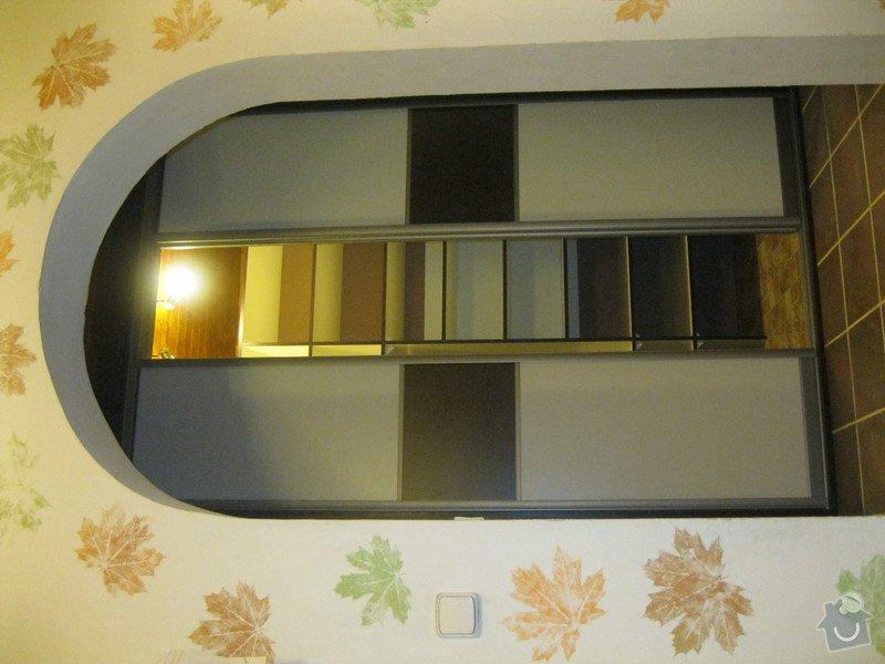 Šatna na míru s posuvnými dveřmi: IMG_0182