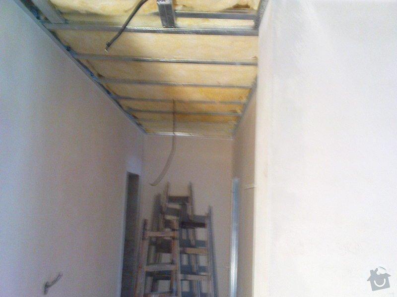 Stropní podhledy a příčky ze sádrokartonu: DSC00028