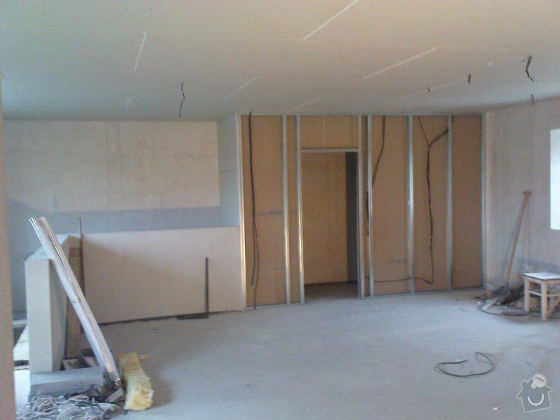 Stropní podhledy a příčky ze sádrokartonu: DSC00033