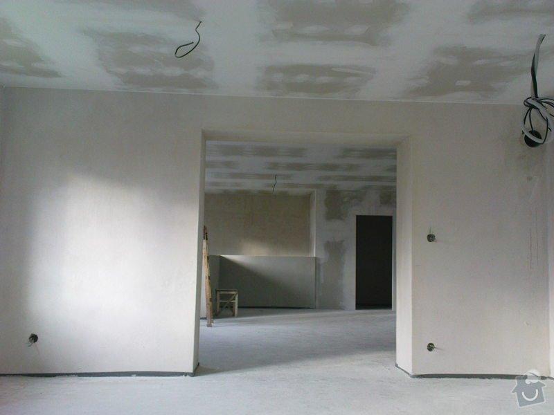 Stropní podhledy a příčky ze sádrokartonu: DSC00041